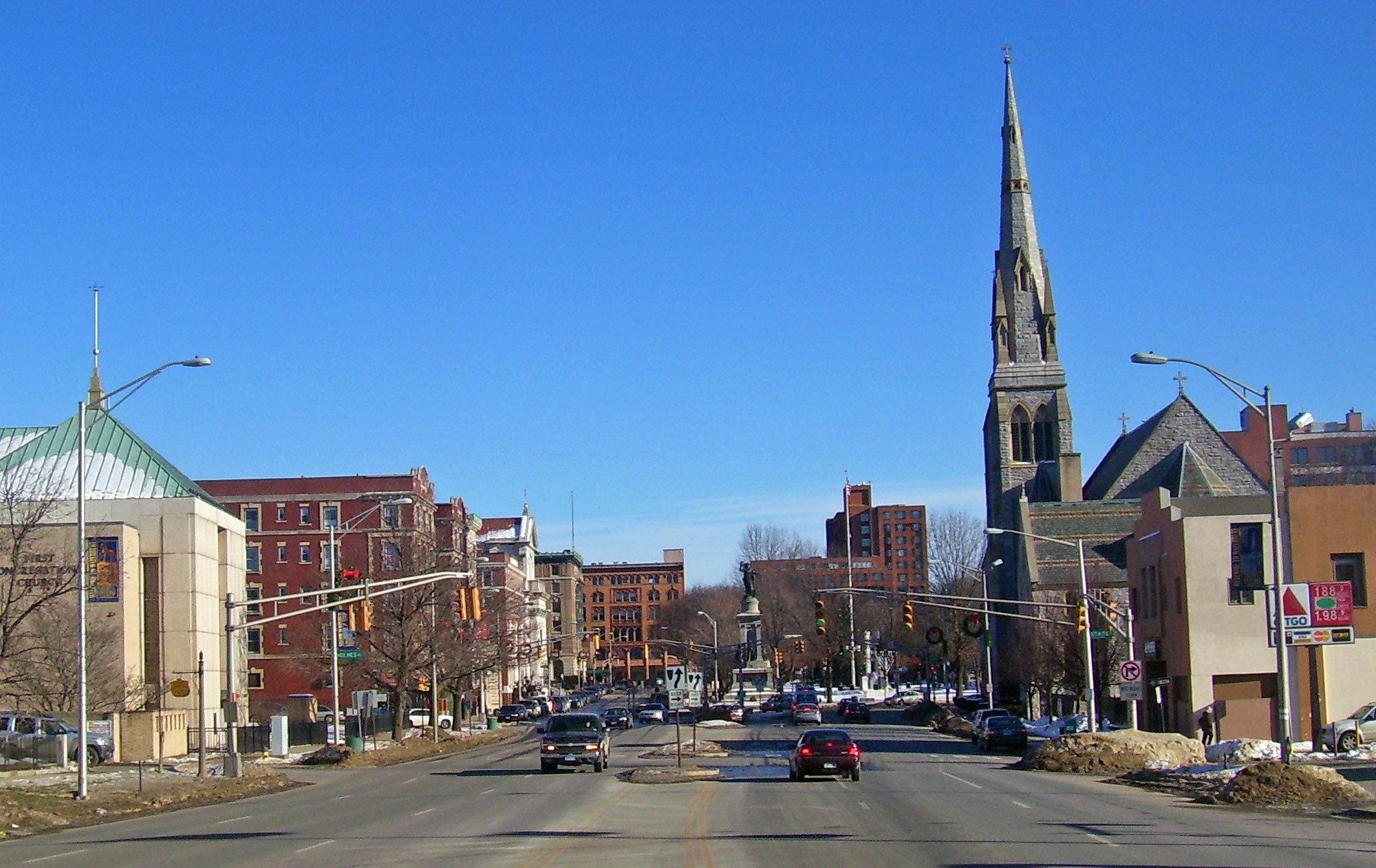 Downtown_Waterbury,_CT.jpg