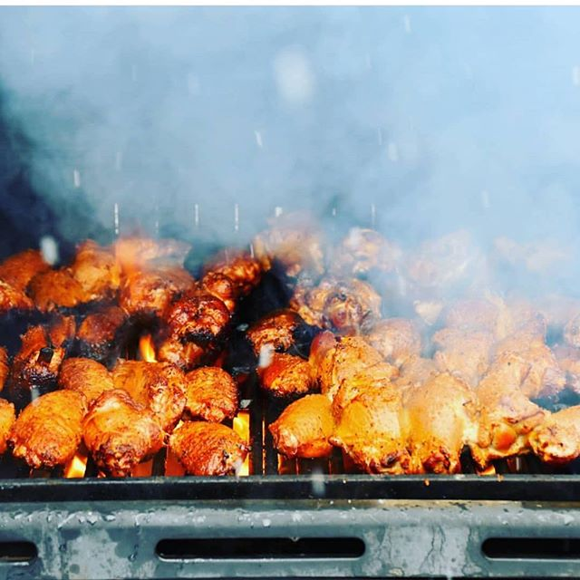 You can practically smell this picture! Welcome to the festival @hillgrillysbbq .
