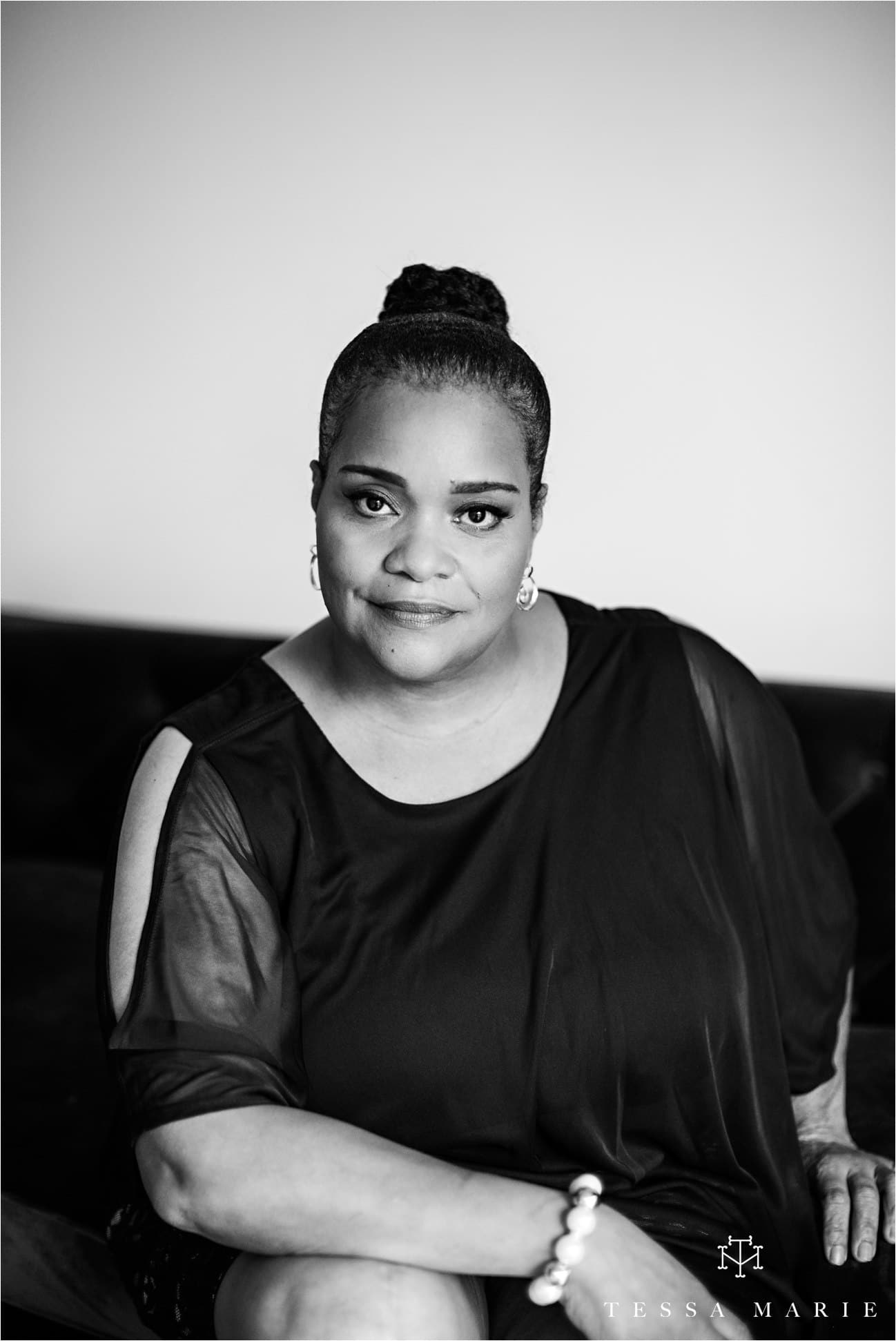 Tessa_marie_studios_womens_headshots_portraits_empowering_full_experience_something_for_mom_0035