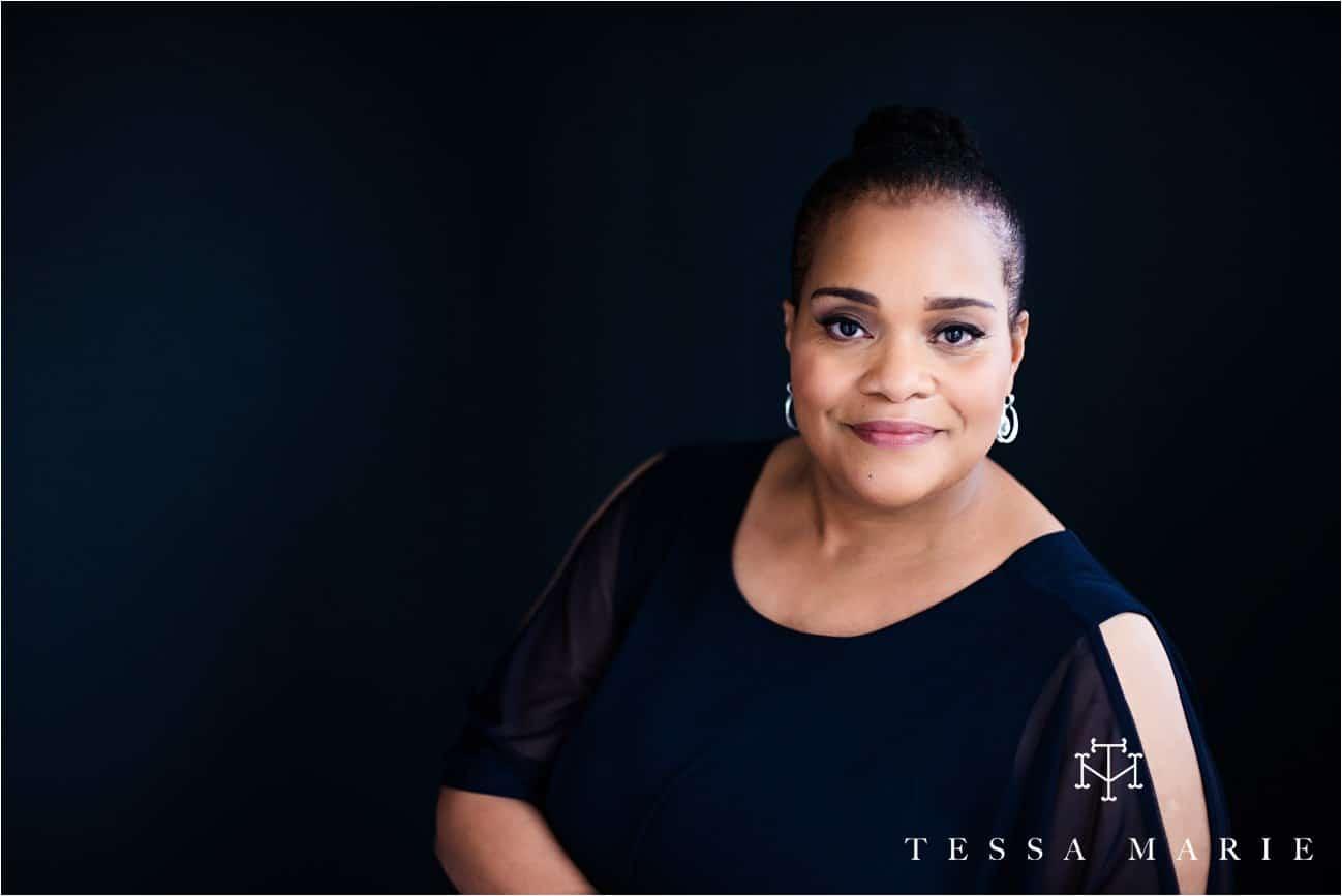 Tessa_marie_studios_womens_headshots_portraits_empowering_full_experience_something_for_mom_0038