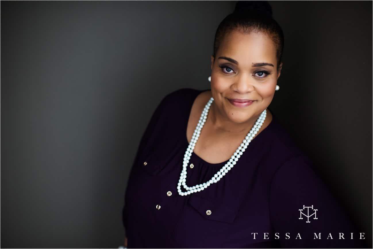 Tessa_marie_studios_womens_headshots_portraits_empowering_full_experience_something_for_mom_0041
