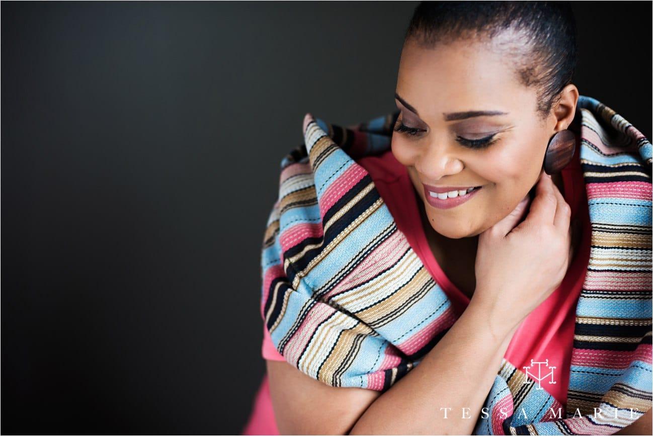Tessa_marie_studios_womens_headshots_portraits_empowering_full_experience_something_for_mom_0049
