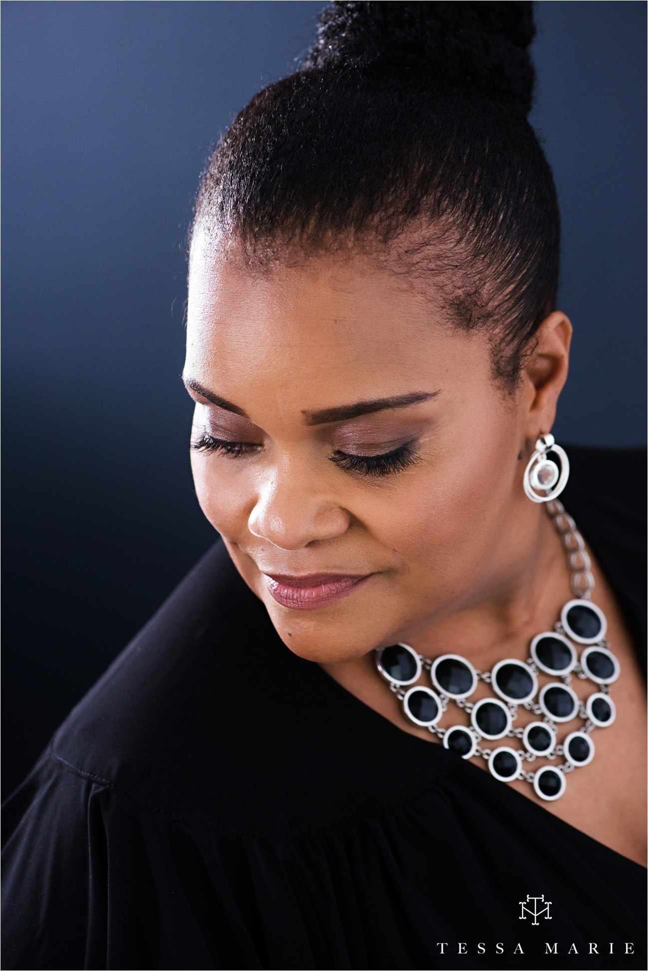 Tessa_marie_studios_womens_headshots_portraits_empowering_full_experience_something_for_mom_0052