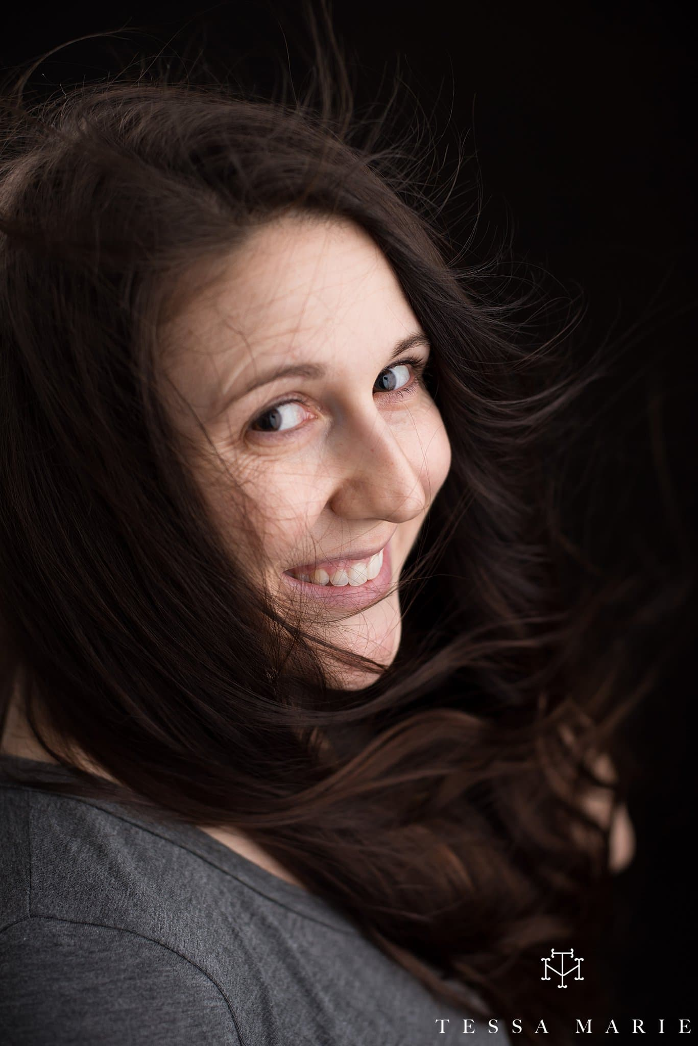 makeup_free_womens_portraits_tessa_marie_studios_no_makeup_empowering_women_0008.jpg