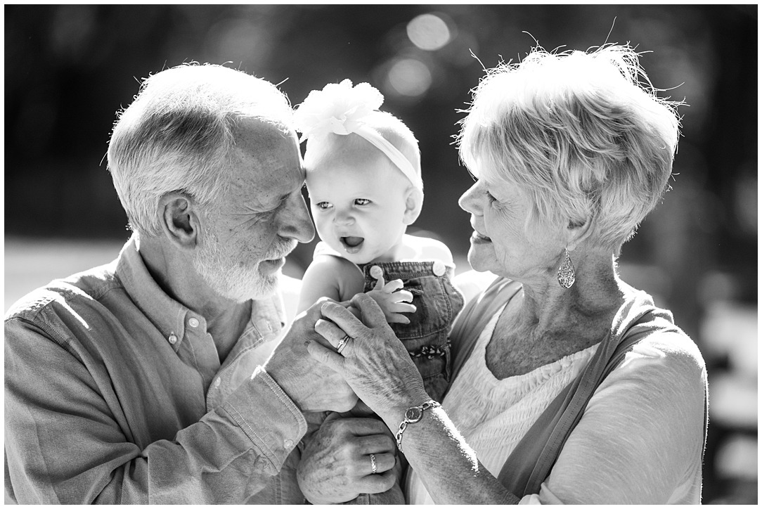 Tessa_marie_photography_family_portrait_photographer_mother_daughter_family_sessions_timeless_elegance_Vogue_magazine_style_portraits_contemporary_portraits_0065.jpg