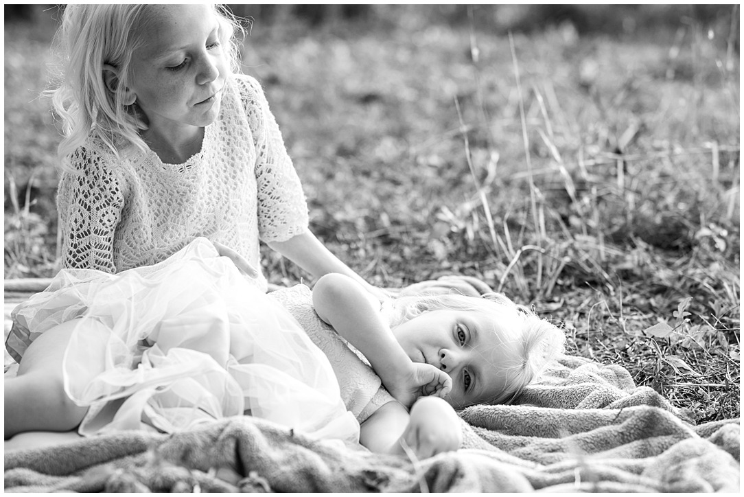 Tessa_marie_photography_family_portrait_photographer_mother_daughter_family_sessions_timeless_elegance_Vogue_magazine_style_portraits_contemporary_portraits_0202.jpg