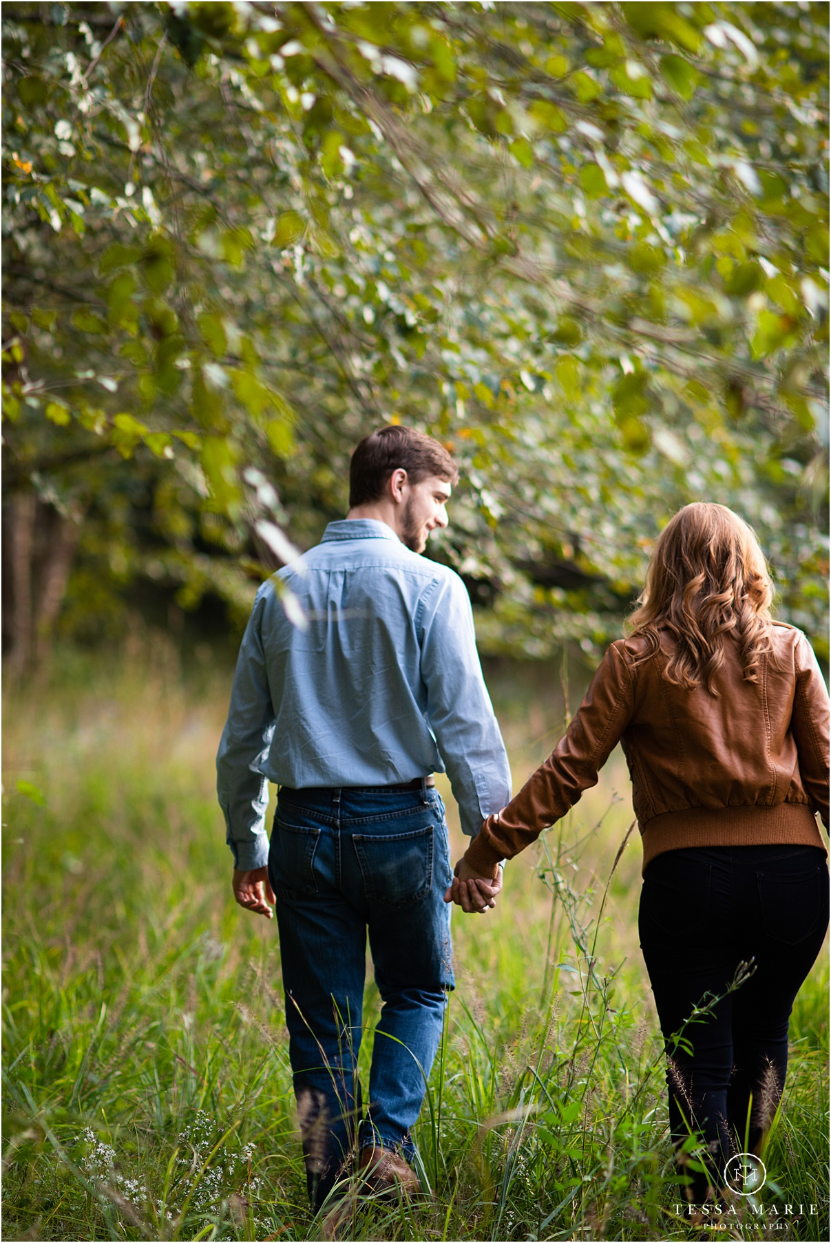 Tessa_marie_photography_wedding_photographer_engagement_pictures_river_engagement_0001.jpg