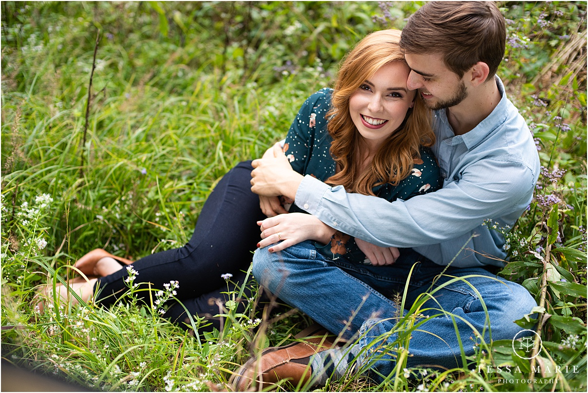 Tessa_marie_photography_wedding_photographer_engagement_pictures_river_engagement_0010.jpg