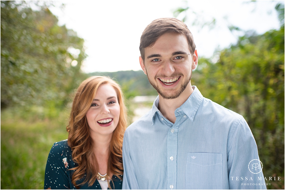 Tessa_marie_photography_wedding_photographer_engagement_pictures_river_engagement_0012.jpg