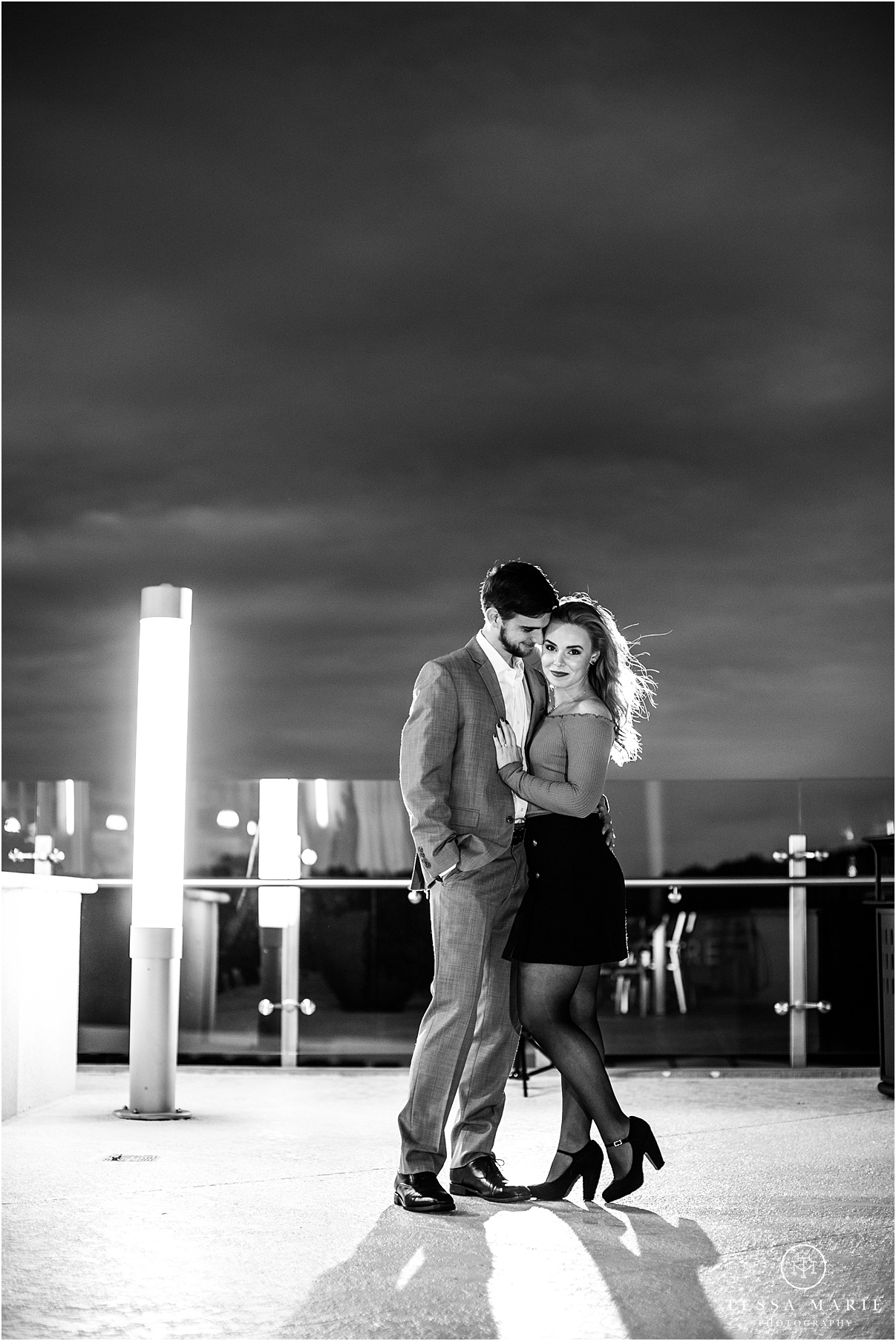 Tessa_marie_photography_wedding_photographer_engagement_pictures_river_engagement_0024.jpg