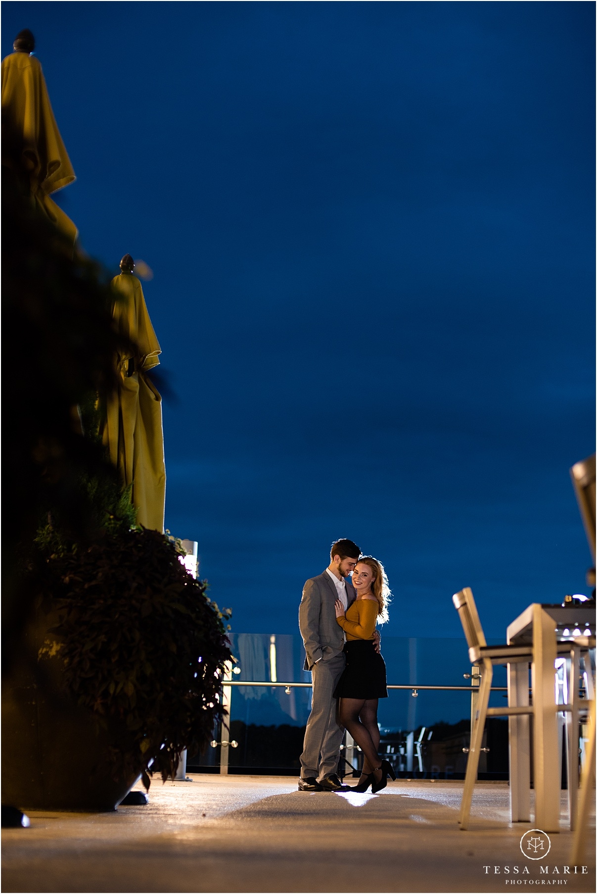Tessa_marie_photography_wedding_photographer_engagement_pictures_river_engagement_0025.jpg