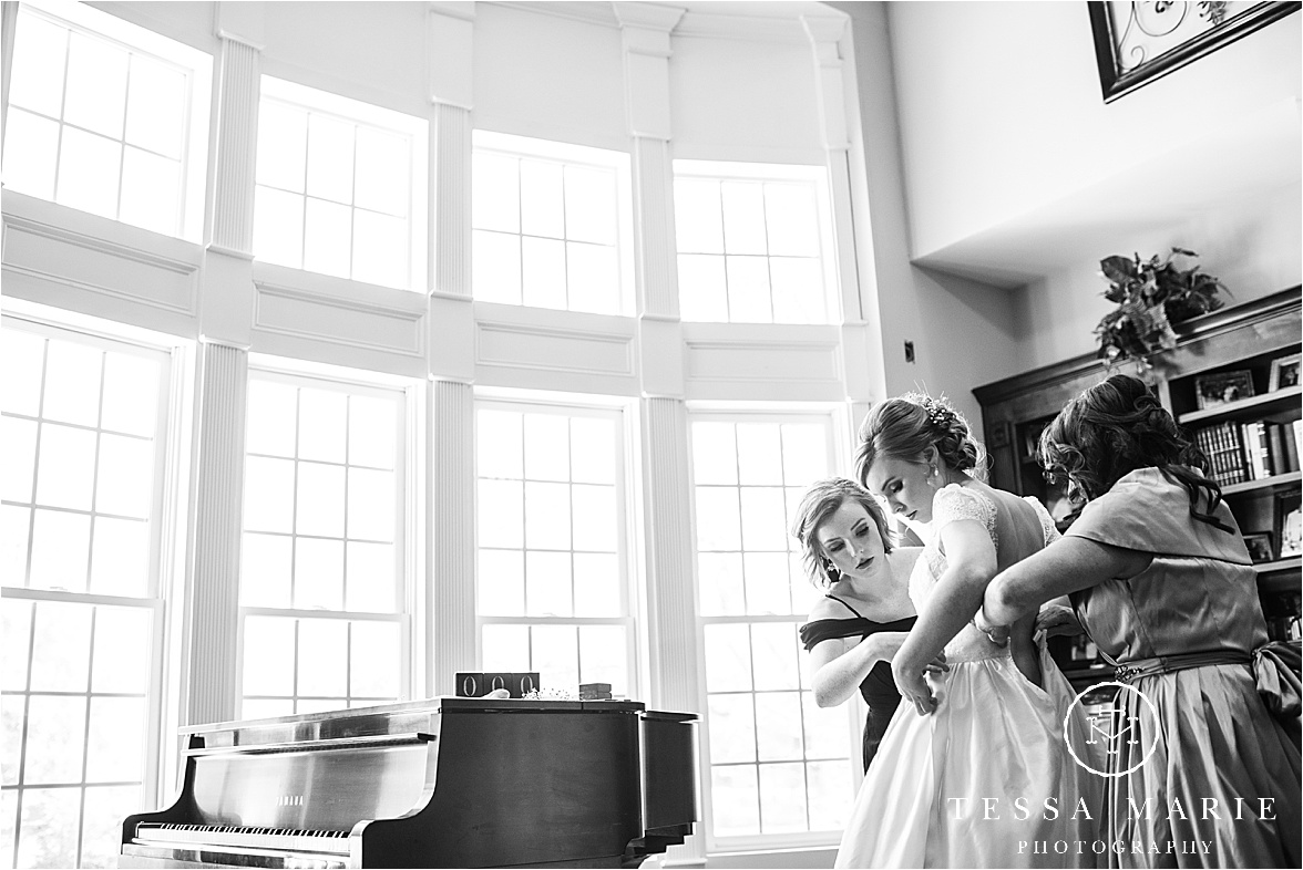 Tessa_marie_weddings_columbus_wedding_photographer_wedding_day_spring_outdoor_wedding_0014.jpg