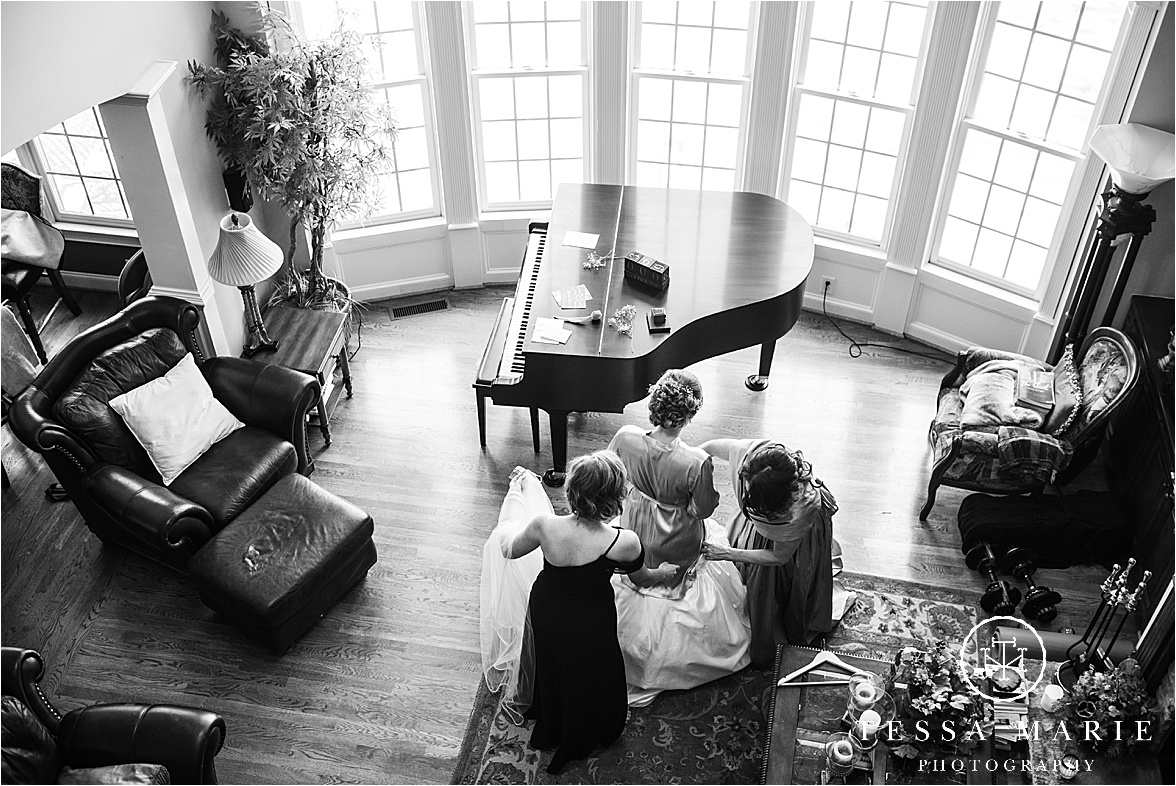 Tessa_marie_weddings_columbus_wedding_photographer_wedding_day_spring_outdoor_wedding_0013.jpg