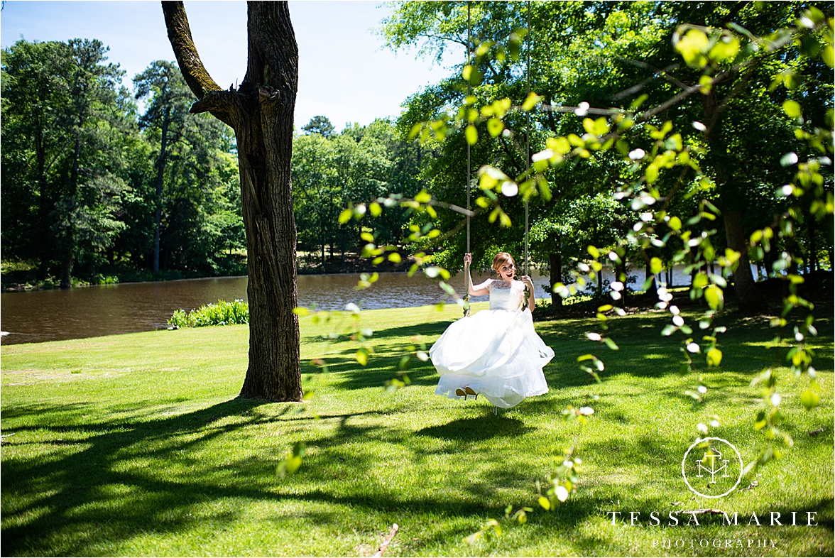 Tessa_marie_weddings_columbus_wedding_photographer_wedding_day_spring_outdoor_wedding_0016.jpg