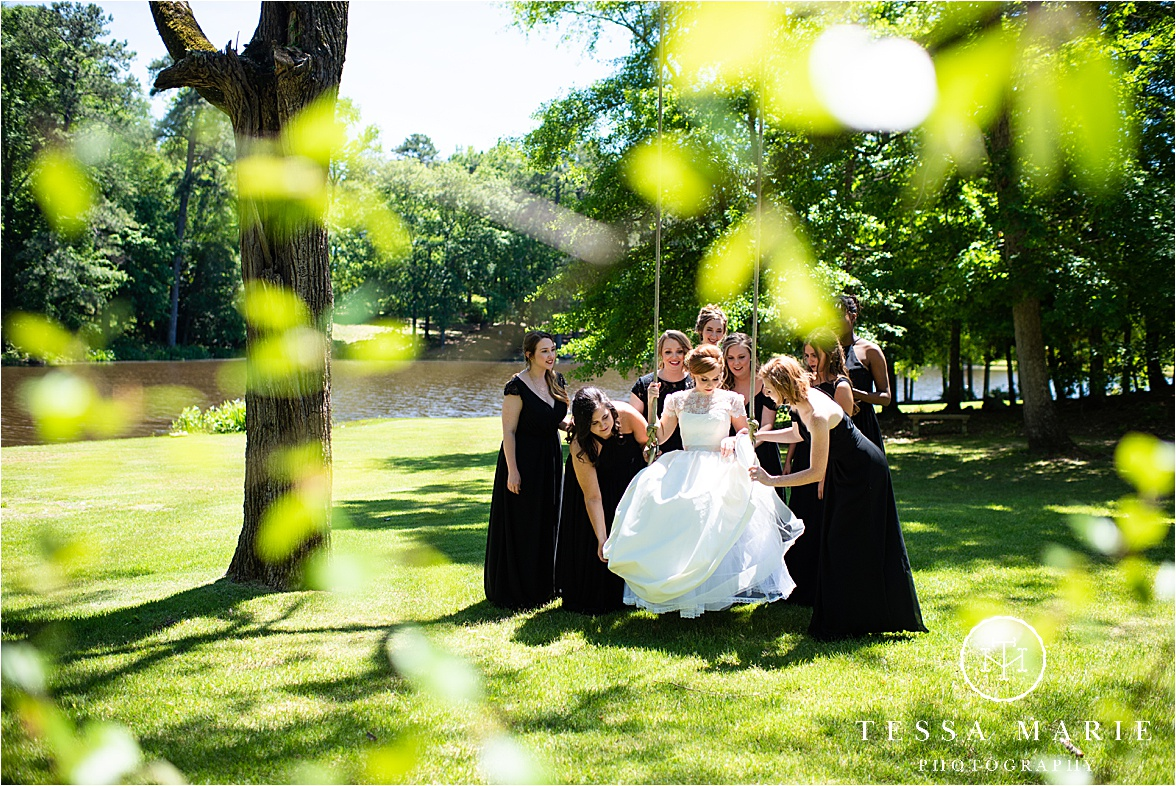 Tessa_marie_weddings_columbus_wedding_photographer_wedding_day_spring_outdoor_wedding_0017.jpg