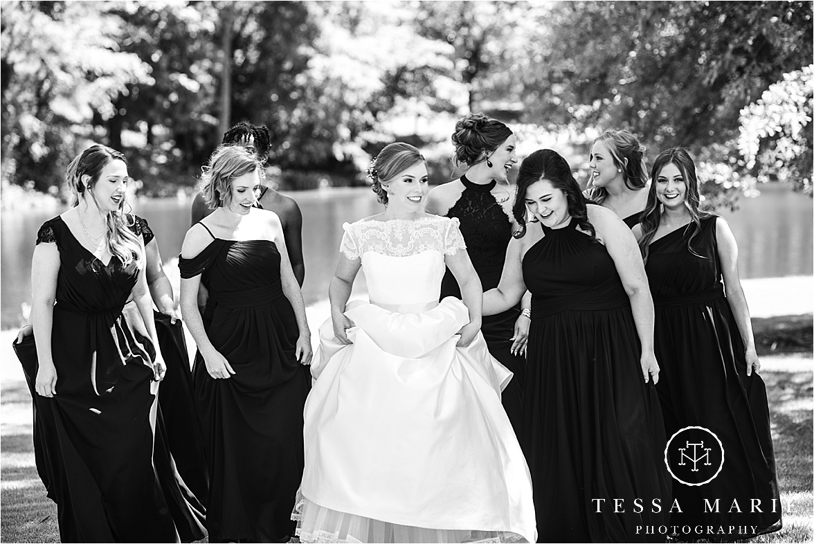 Tessa_marie_weddings_columbus_wedding_photographer_wedding_day_spring_outdoor_wedding_0029.jpg