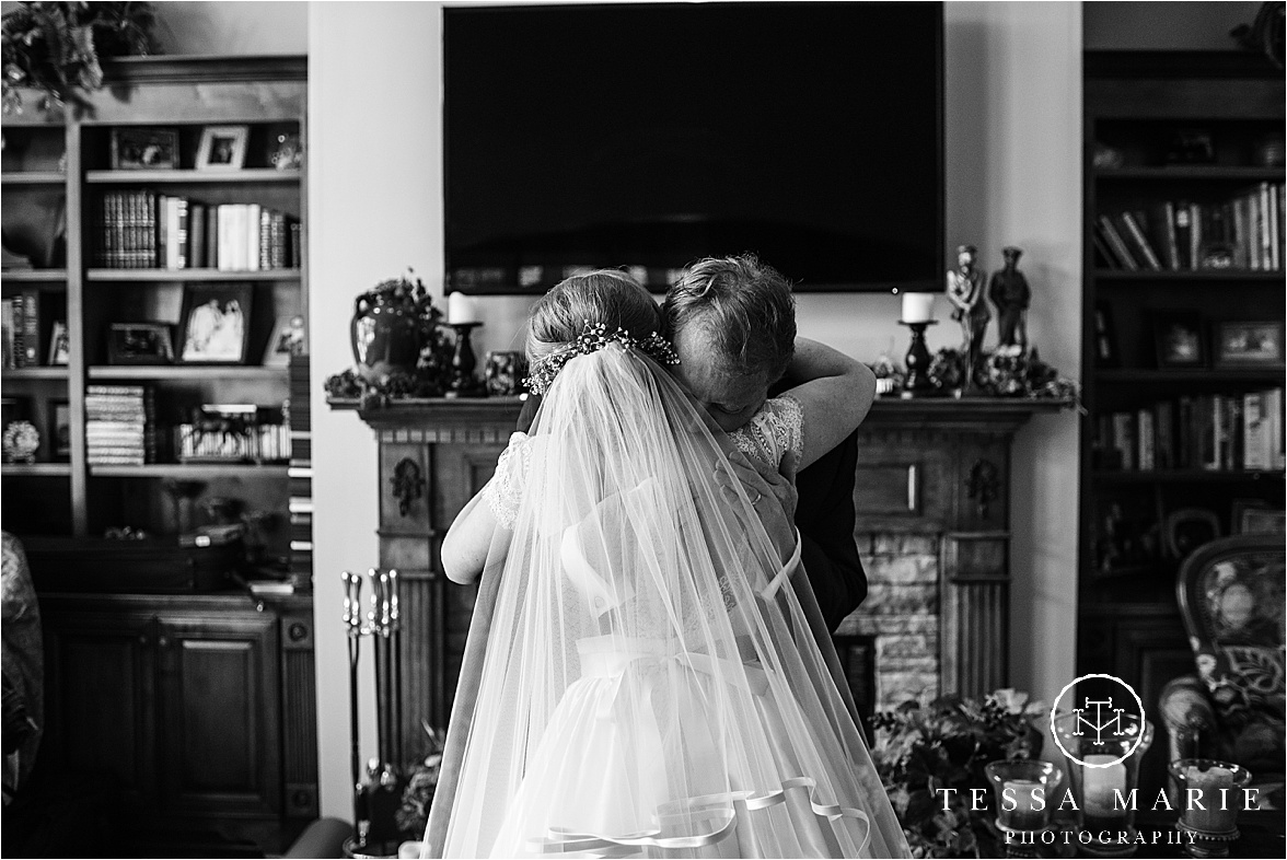 Tessa_marie_weddings_columbus_wedding_photographer_wedding_day_spring_outdoor_wedding_0040.jpg