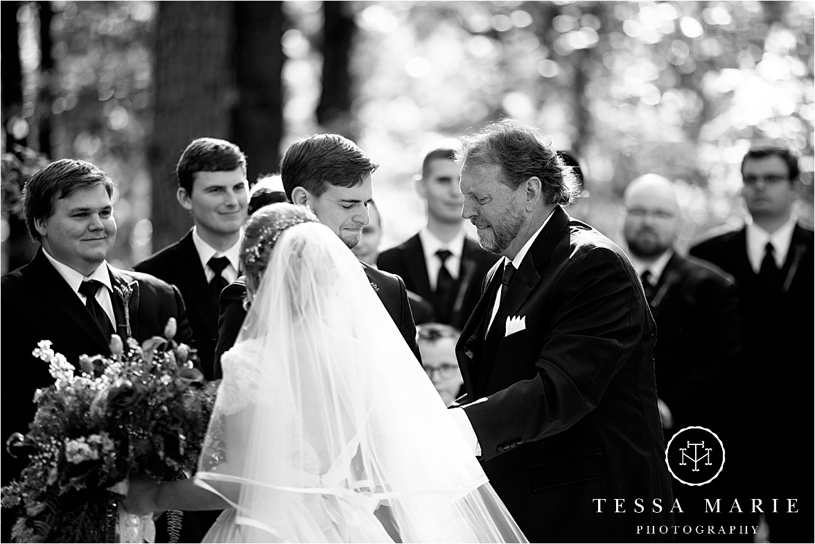 Tessa_marie_weddings_columbus_wedding_photographer_wedding_day_spring_outdoor_wedding_0052.jpg