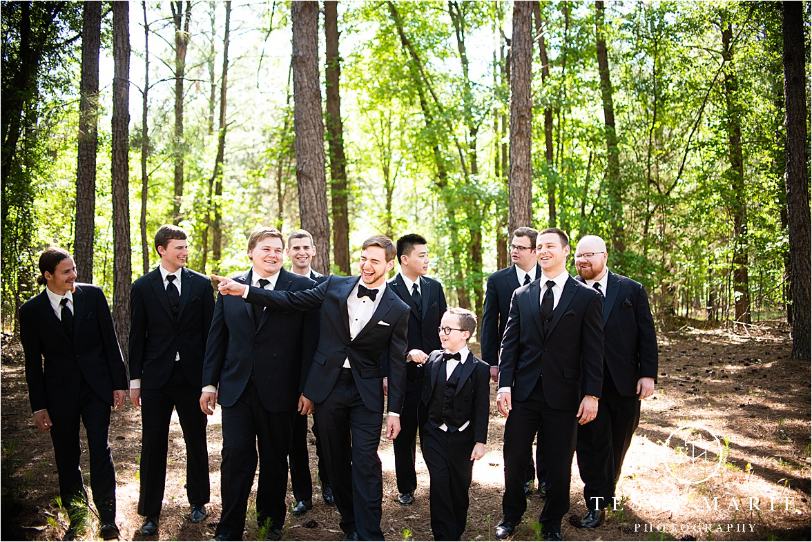Tessa_marie_weddings_columbus_wedding_photographer_wedding_day_spring_outdoor_wedding_0055.jpg