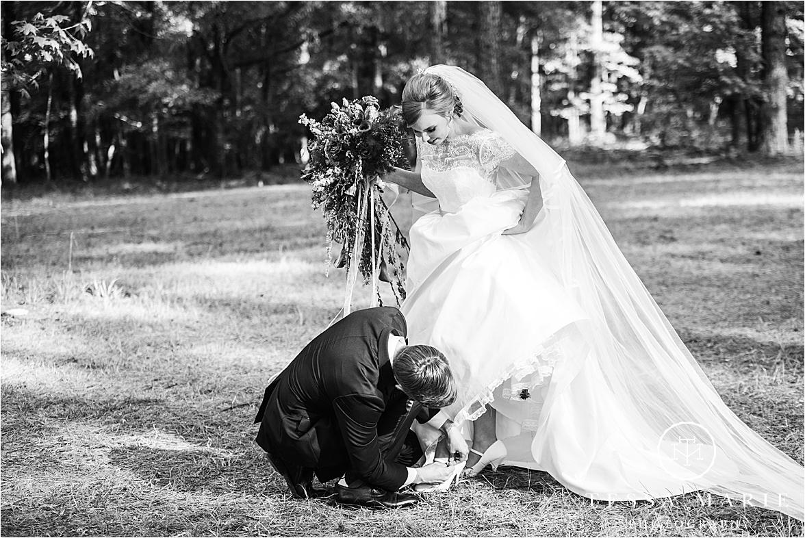 Tessa_marie_weddings_columbus_wedding_photographer_wedding_day_spring_outdoor_wedding_0098.jpg