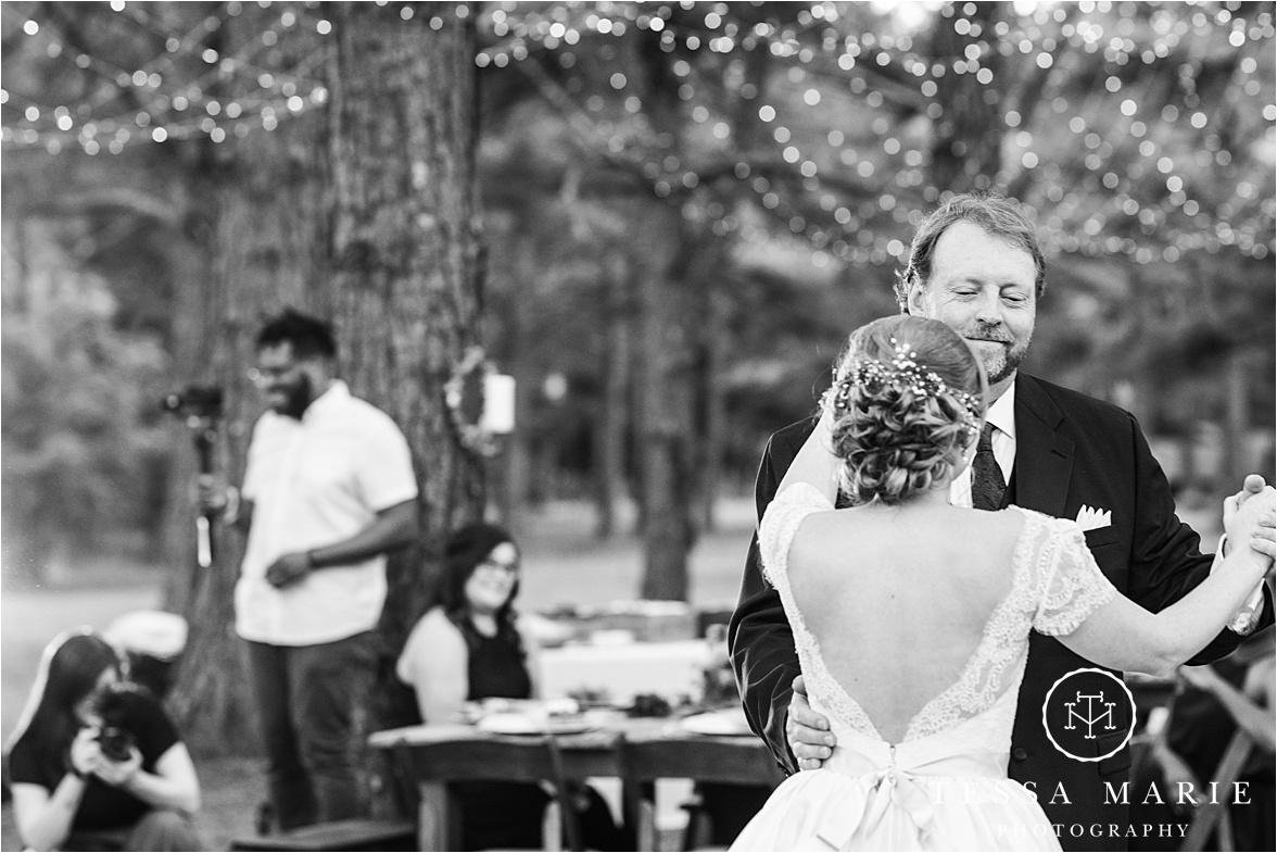 Tessa_marie_weddings_columbus_wedding_photographer_wedding_day_spring_outdoor_wedding_0197.jpg
