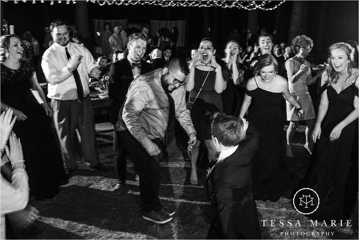 Tessa_marie_weddings_columbus_wedding_photographer_wedding_day_spring_outdoor_wedding_0157.jpg