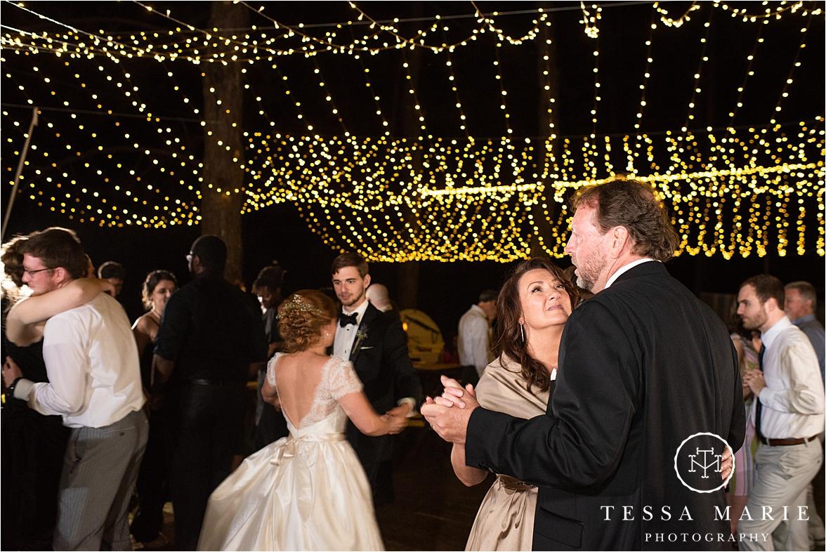 Tessa_marie_weddings_columbus_wedding_photographer_wedding_day_spring_outdoor_wedding_0173.jpg