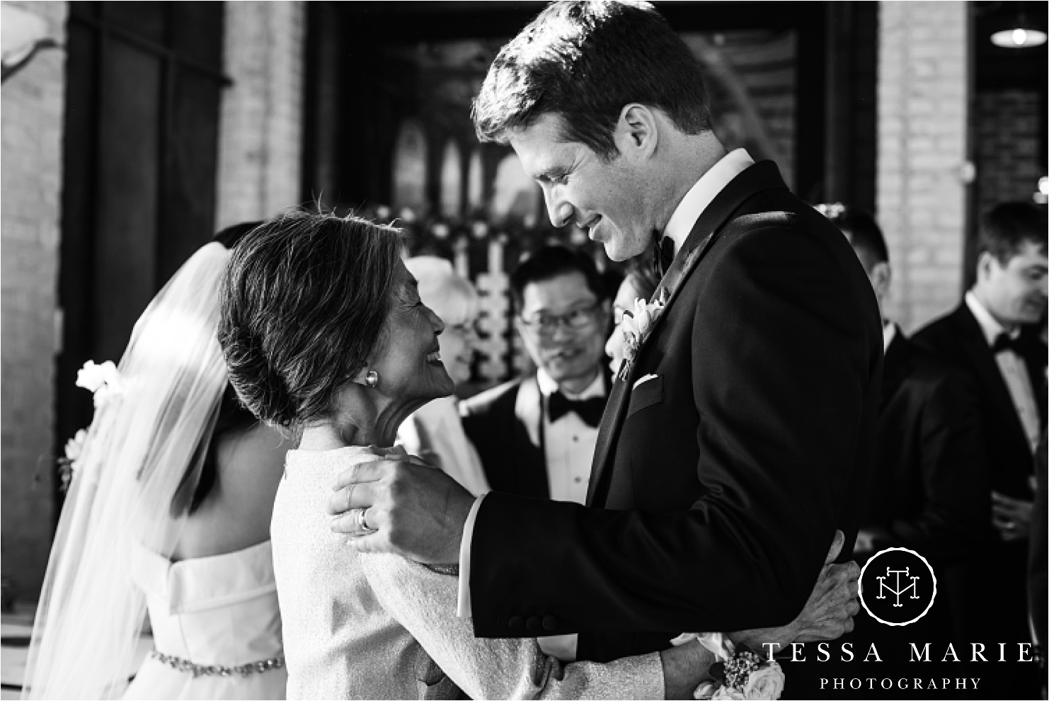 Tessa_marie_weddings_houston_wedding_photographer_The_astorian_0128.jpg