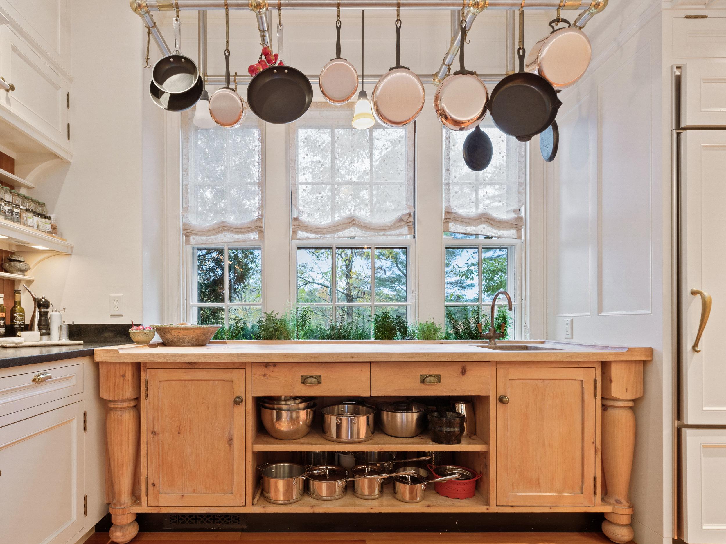 18 Kitchen 4.jpg