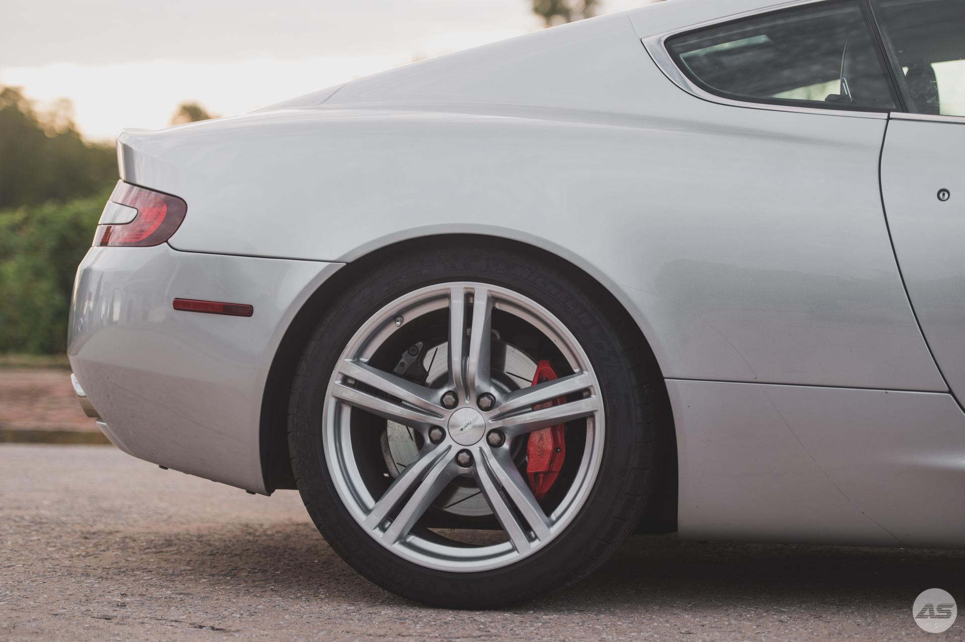 Aston-3.jpg