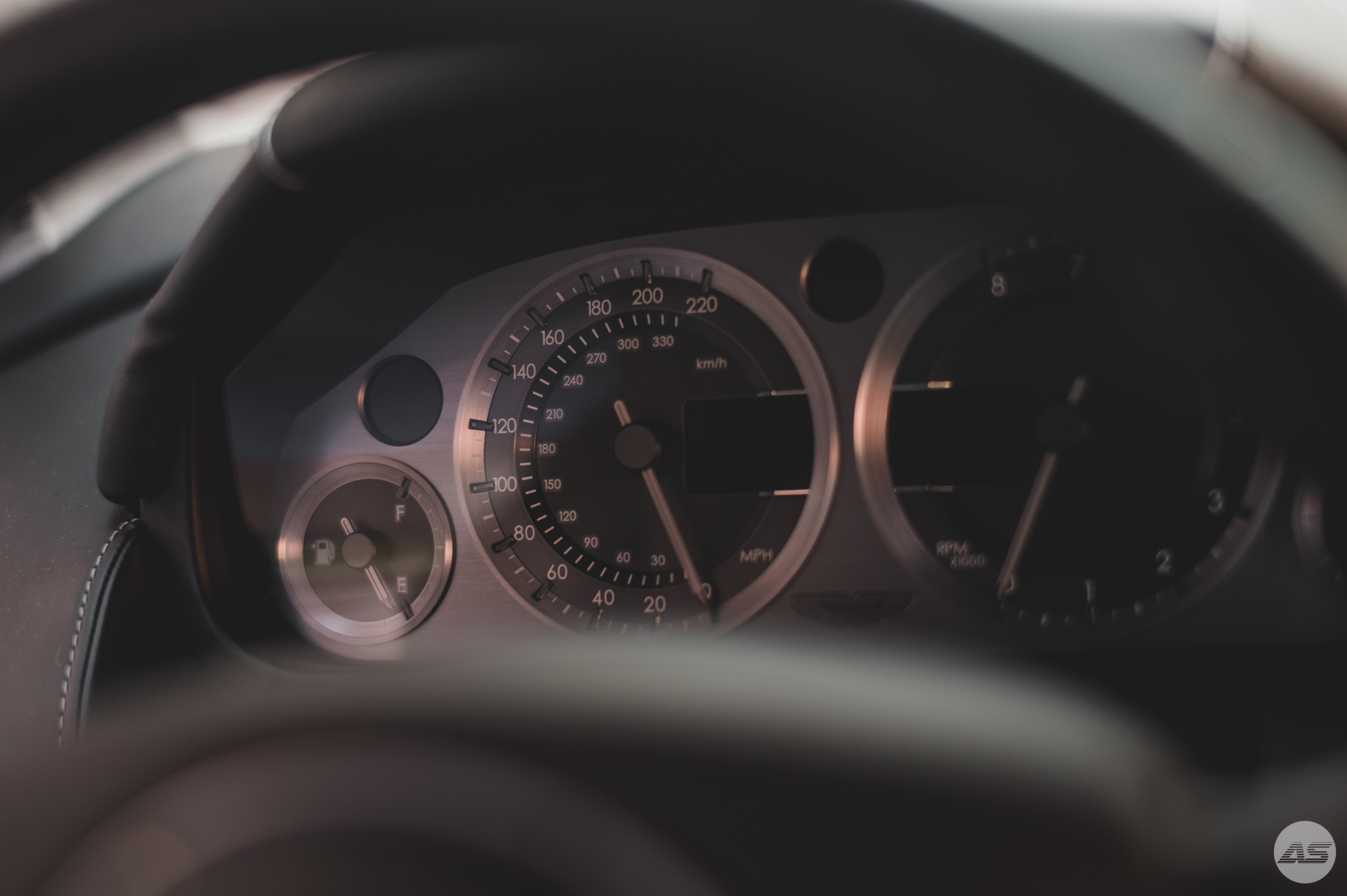 Aston-27.jpg