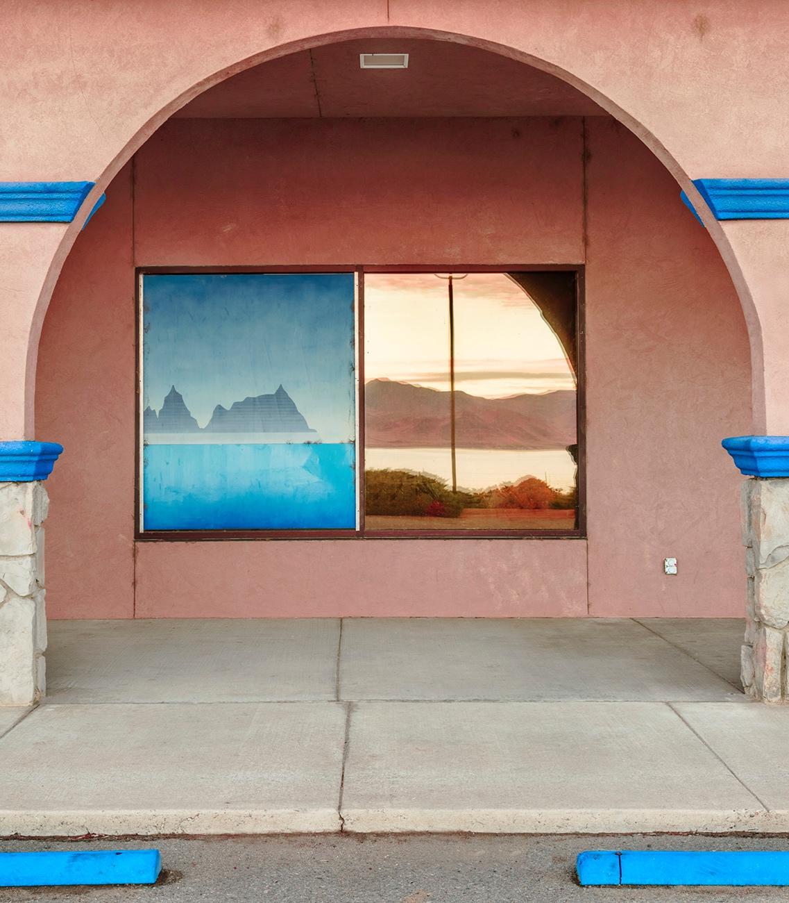 Pyramid+Lake+in+Window%2C+Nevada.jpg