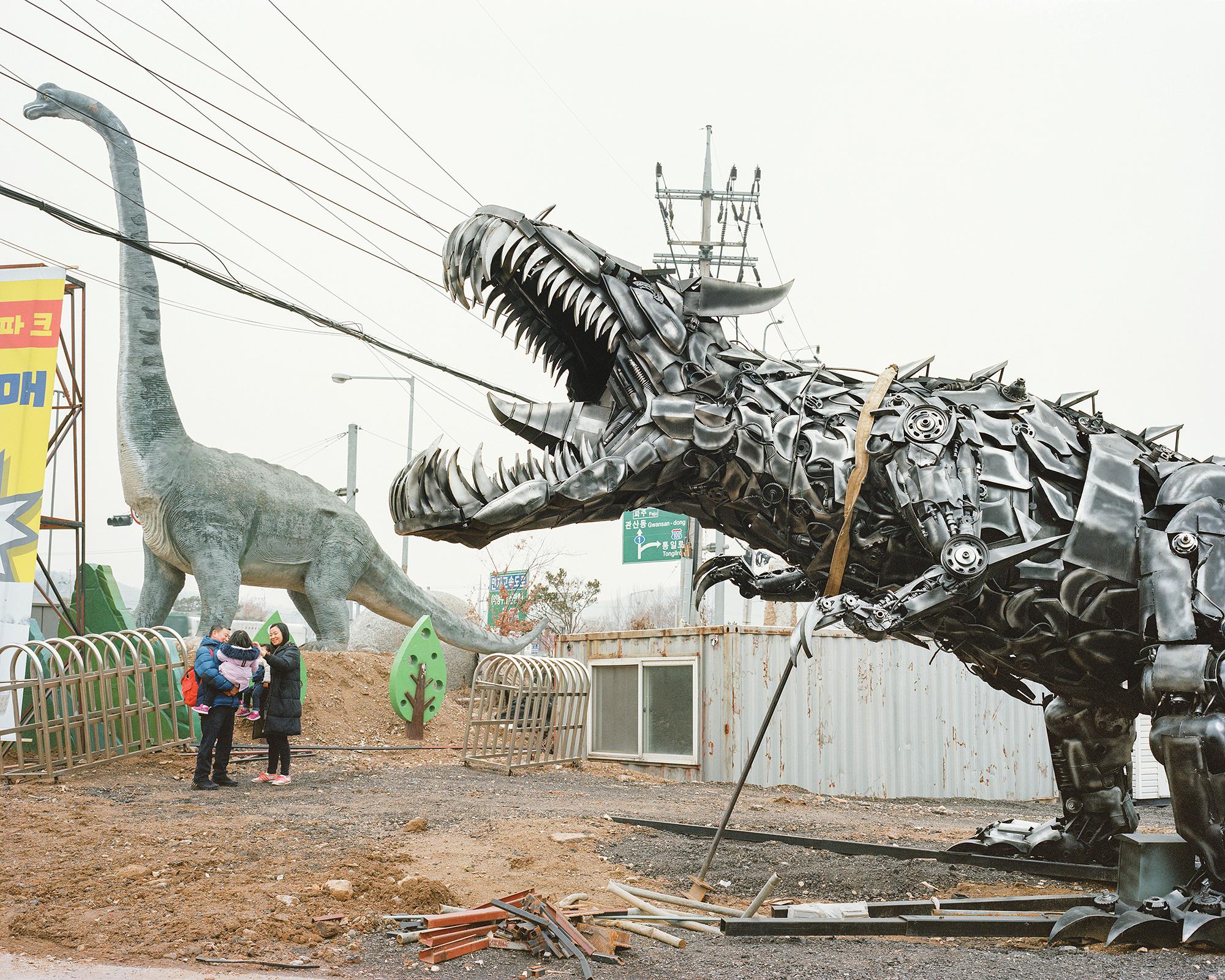 16 Dinosaur Theme Park_2018.jpg