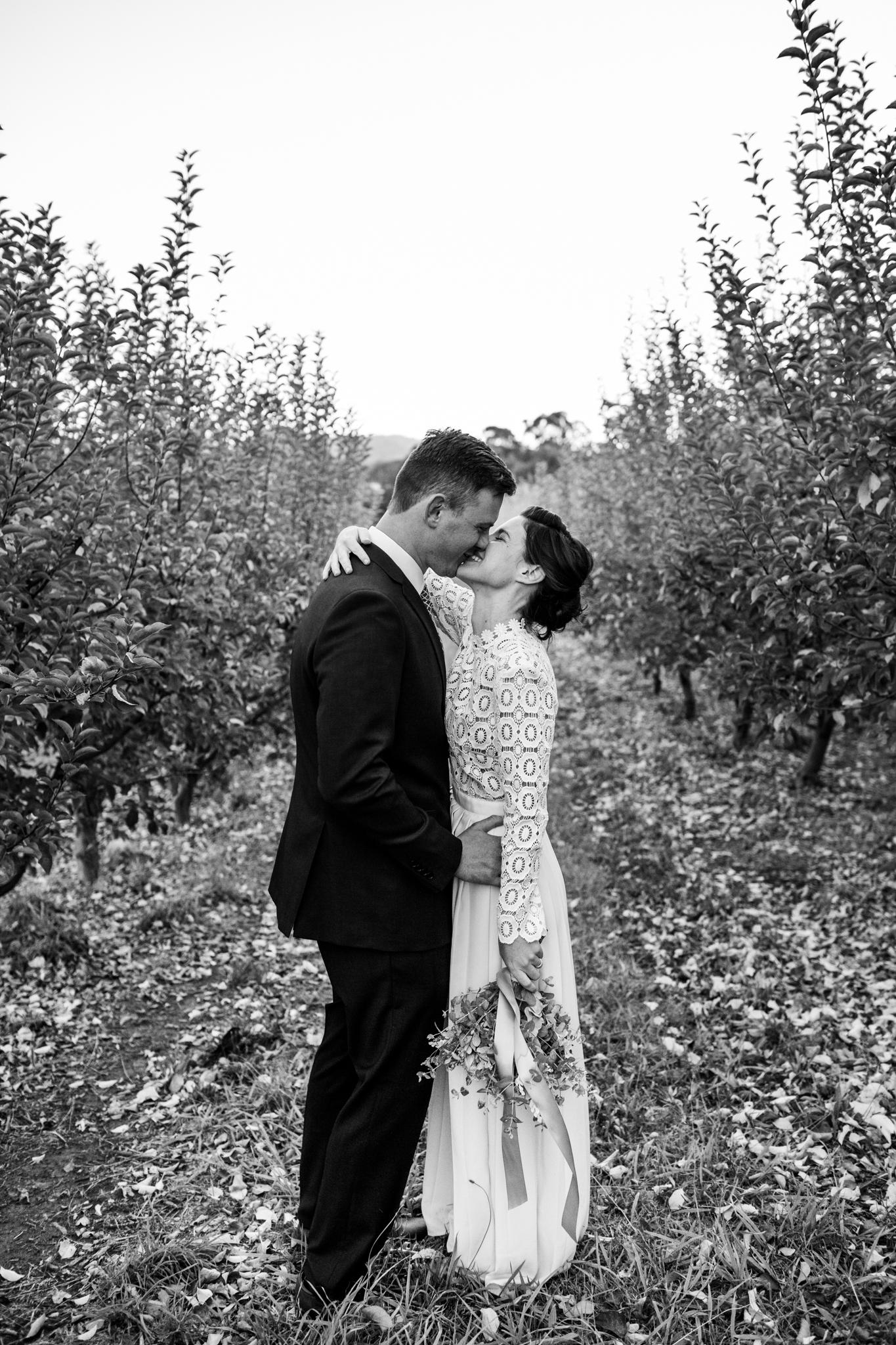 Wedding Borrodell Vineyard - elopement in the vines.
