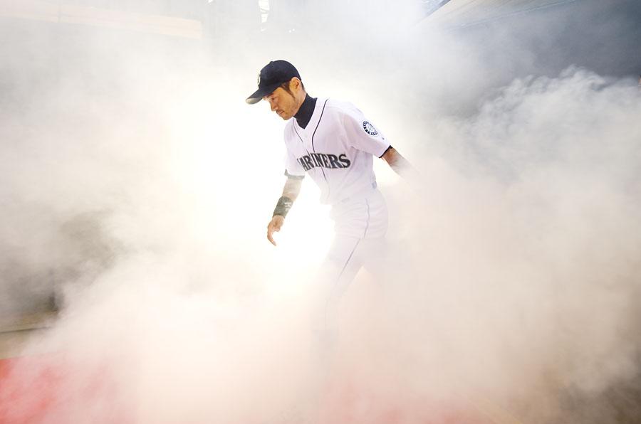 Ichiro in a cloud of PED vape