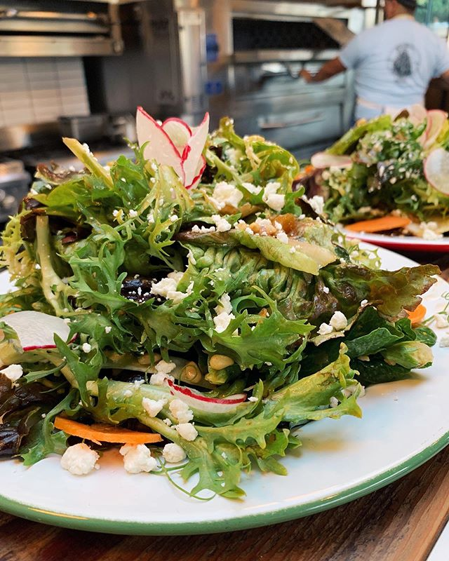 🥗MARKET GREENS SALAD 🥗 A seasonal mix of organic greens straight from the local farmer's market! Just as delicious as it is gorgeous! #gogreen #morethanpizza . . . #love#pizza#pizzalife#dtla#downtownla#losangeles#eat#eaterla#foodie#foodiesofinstagram##foodporn#foodlover#instafood#food#lunch#dinner#happyhour#foodstagram#pizzeria#lupettipizzeria#postmates#ubereats#caviar#doordash#grubhub#salad#veggie#organic