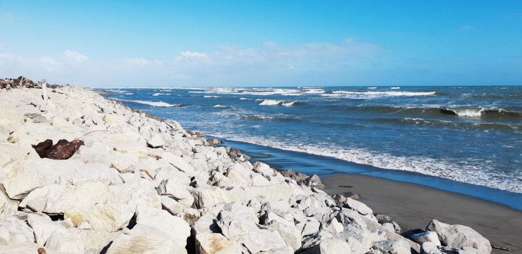 Hokitika-Beach-2-1024x498.jpg