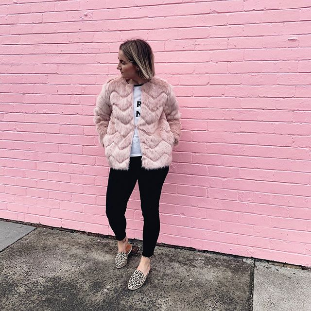 Just me (Megan), owner and director of @thecreatorsmarket, casually standing in front of @10balcombe's PINK wall in my PINK faux fur⠀⠀⠀⠀⠀⠀⠀⠀⠀ ⠀⠀⠀⠀⠀⠀⠀⠀⠀ I bloody LOVE this venue and holding our market here is the greatest. The pink wall is obvious to everyone who drives by and in my opinion sets the perfect tone for our market which is all about the FEEL GOOD VIBES ✨ #TrueStory⠀⠀⠀⠀⠀⠀⠀⠀⠀ ⠀⠀⠀⠀⠀⠀⠀⠀⠀ We're beyond excited to be visiting this venue SO much over the coming months and towards the end of the year we will be releasing our 2020 dates so WATCH THIS SPACE⠀⠀⠀⠀⠀⠀⠀⠀⠀ ⠀⠀⠀⠀⠀⠀⠀⠀⠀ @10balcombe, it's going to be epic and we're keen AF for the ride! YOU READY?! 💯🔥💛