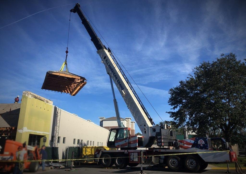 70 ton link belt raises the roof set project