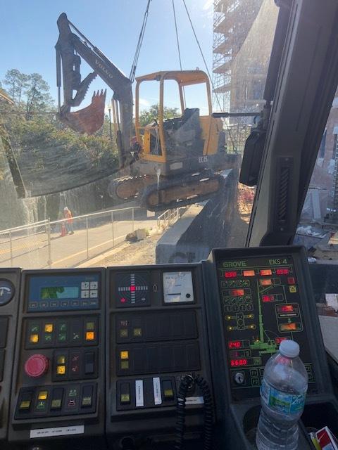 Mini Excavator lift by Grove 5120 Crane