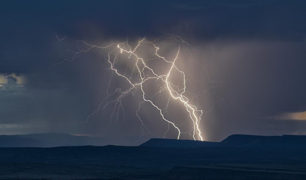 Lightning 10.jpg