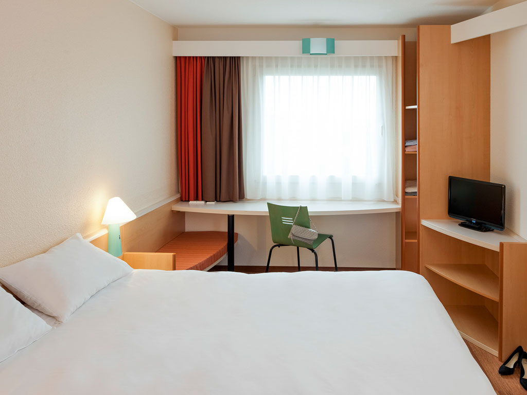 ibis-Sheffield-Room.jpg
