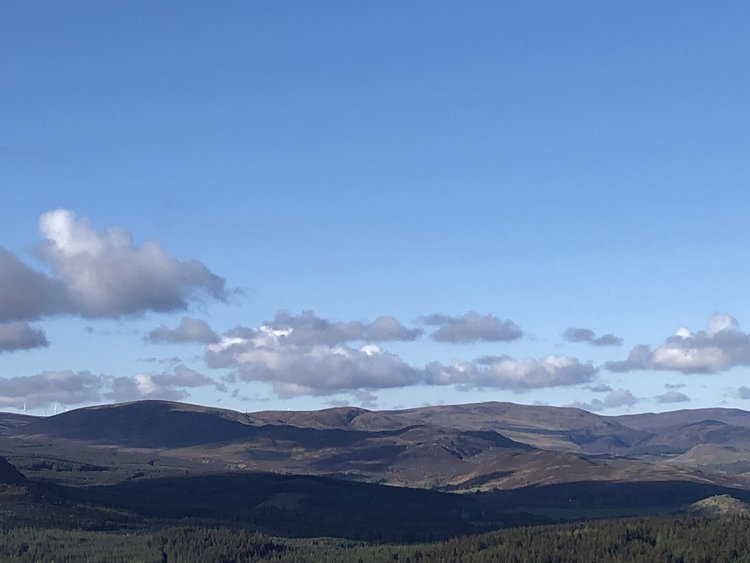 LOOKING SOUTH FROM CREAG AN DUBHAIR / CREAG AN TUATHAN TOWARDS THE MONADH LIATH
