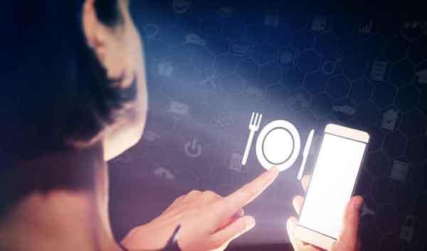 Mit der grossen Kelle anrichten: Daten und digitales Marketing werden immer mehr zum entscheidenden Wettbewerbsvorteil. (Bild: Shutterstock)