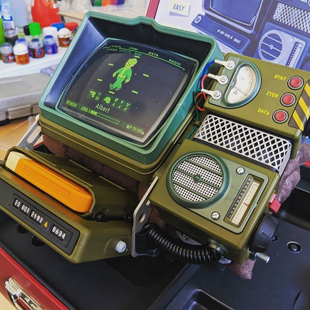 RobCo's Pip-Boy 2000 Mk VI is complete! It's only a matter of time before I have a speaker inside it and get lights working then do some weathering and painting. #fallout #fallout76 #pipboy #bethesda #bethesdagamestudios #videogames #gaming #games #prop #props #modelkit #cosplay #diy #apocalypse #nuclear #yippeyay