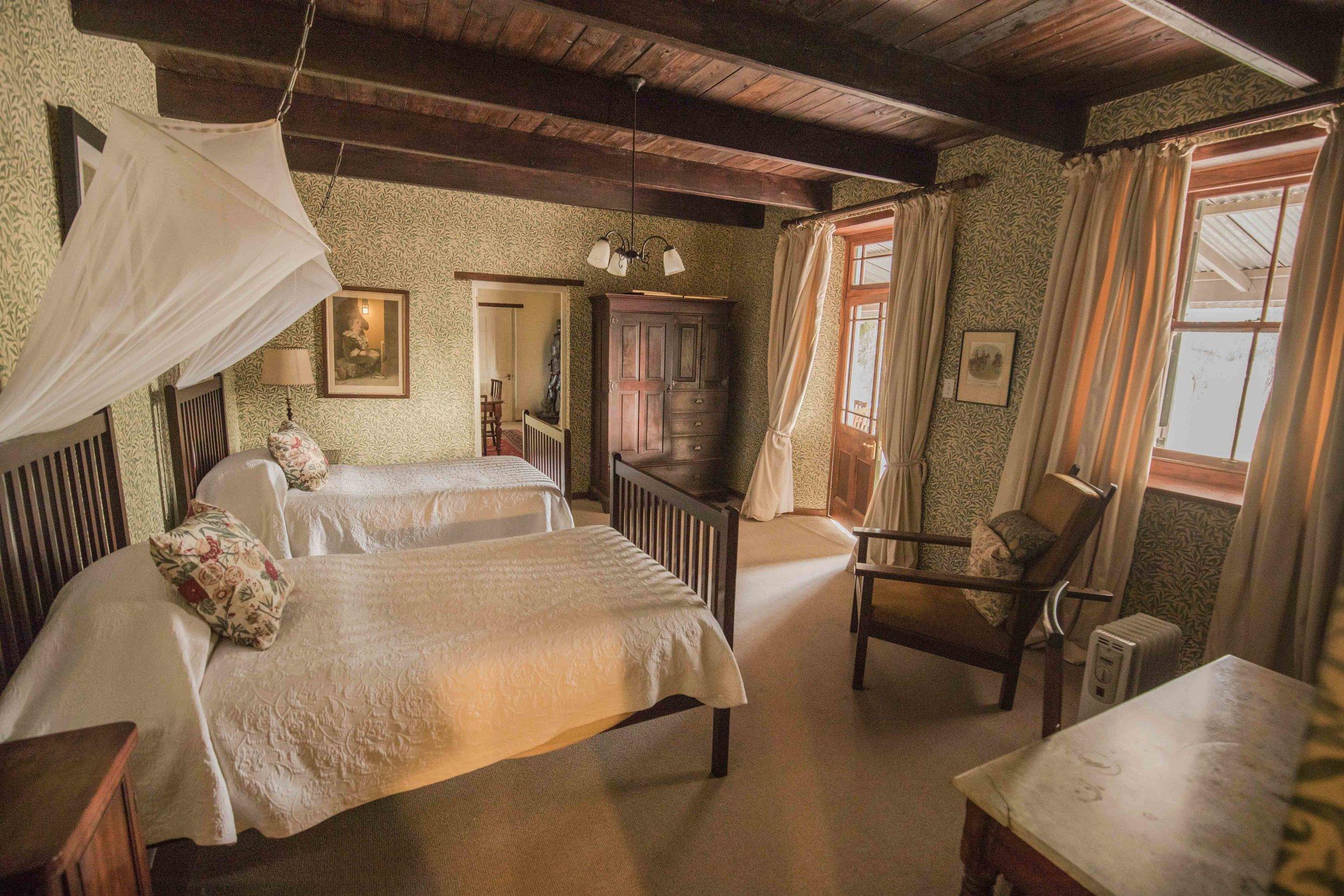Victorian morris suite