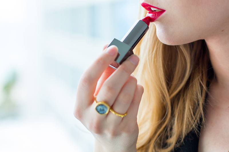 Burberry Kisses, Military Red