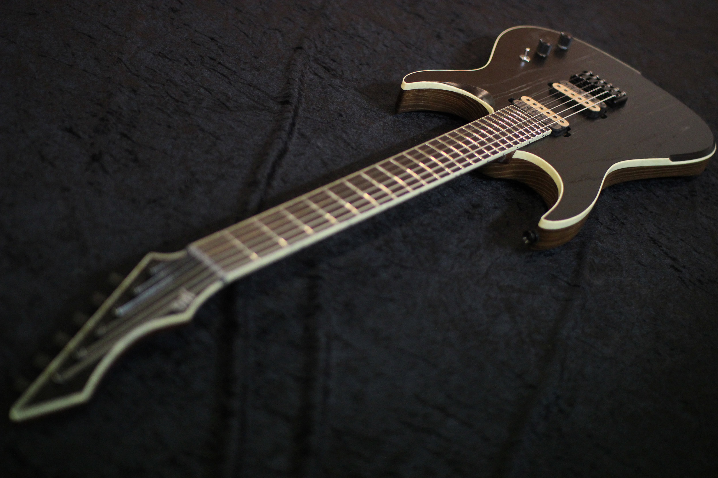 JPM - Does Thou Djent? Thou bloody well does! Stripped back and simple, the JPM series offers crushing contemporary metal tones, unparalleled playability, a choice of 6, 7 & 8-string models, a selection of Straight scales or Multi-Scales.