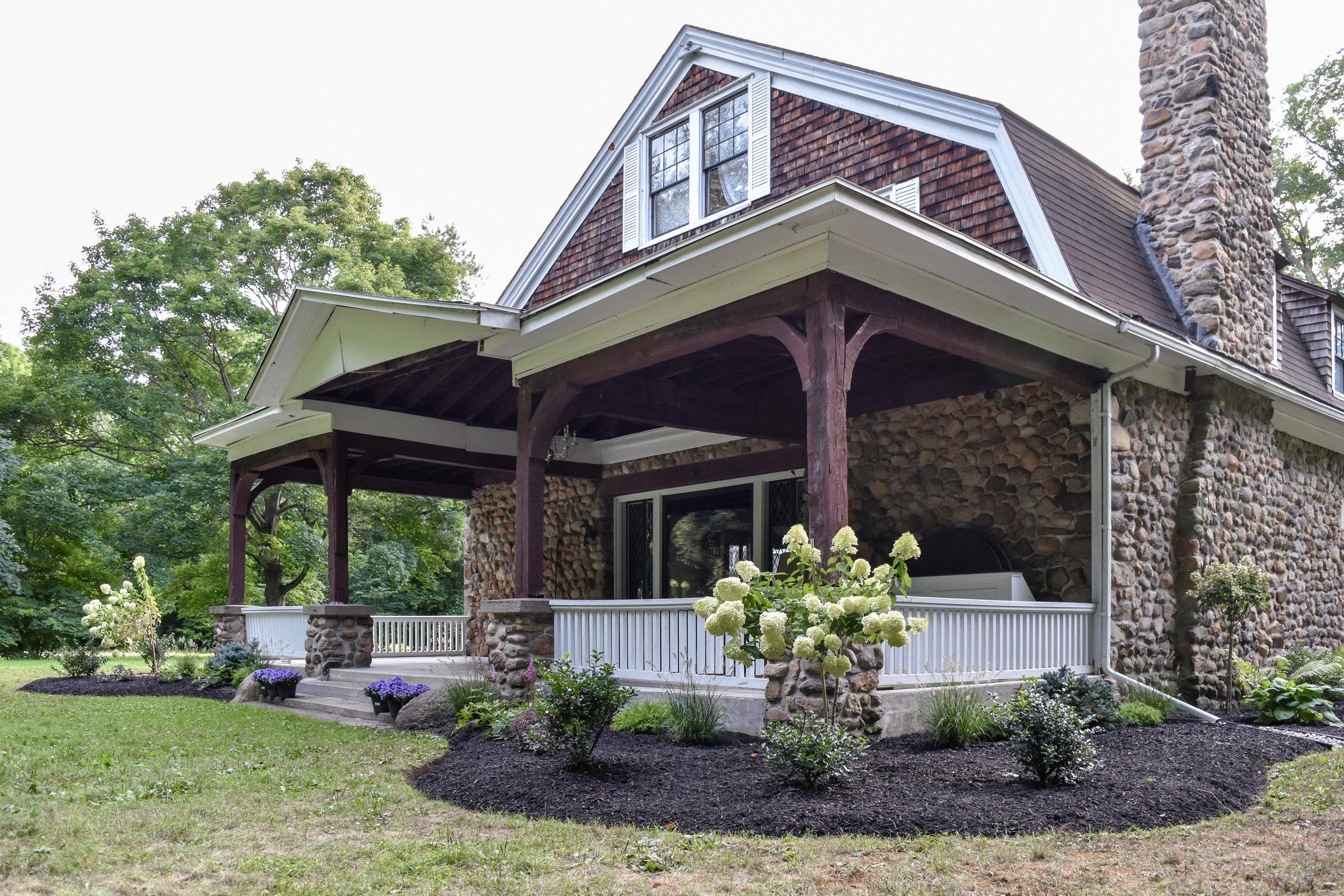 Estate_New_Landscaping2.jpg