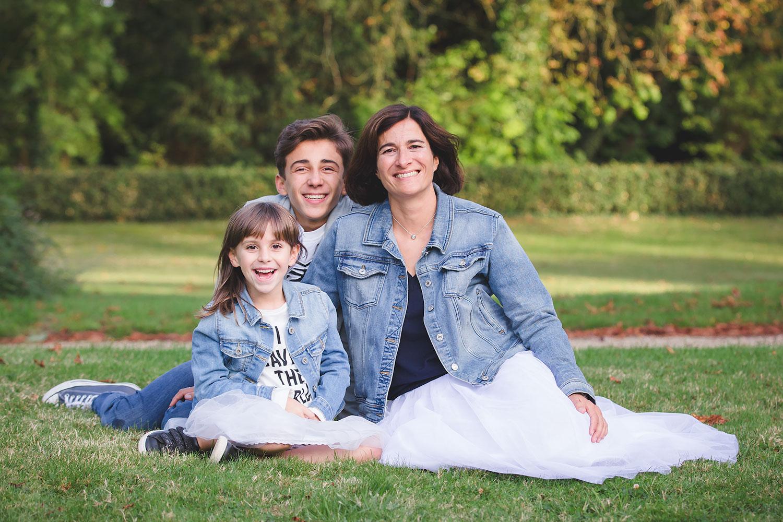 seance photo-famille-saint germain en laye.jpg